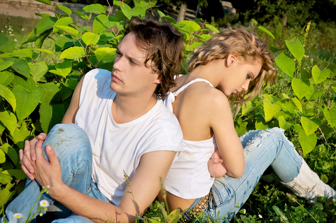 7 Unmistakable Breakup Signs (#1 is Most Common)